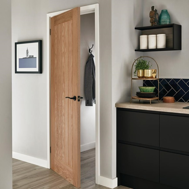 Well hung door